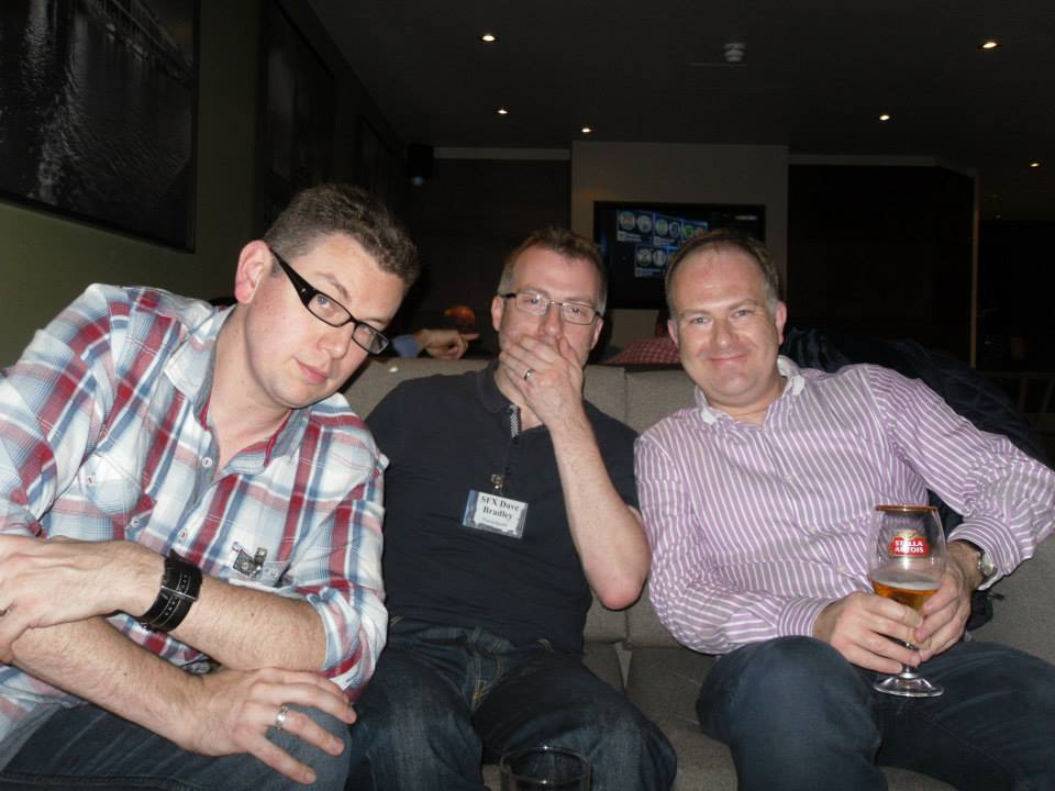 At the con bar, with SFX Dave Bradley and comic legend Mark Buckingham. Dave thought we were doing three wise monkeys. We unfortunately never received the memo.